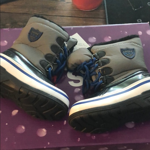 totes Other - Totes toddler boots waterproof size 9 toddler boys